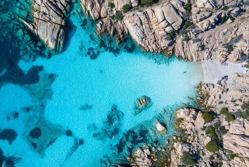 Veduta aerea di Cala Coticcio, Caprera, Arcipelago de La Maddalena