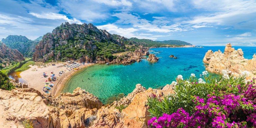 Spiaggia di Li Cossi, Costa Paradiso, provincia di Sassari