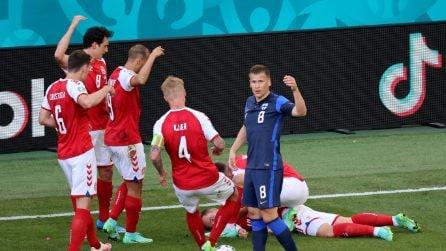 Euro 2020: Eriksen perde i sensi in campo, lo staff medico gli salva la vita in campo
