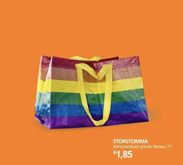 """""""Questa non è una borsa, è una bandiera per far sentire tutti i benvenuti a casa."""", è con un'edizione limitata color arcobaleno dell'iconica shopping bag di IKEA che l'azienda svedese ha celebrato la Giornata Internazionale contro l'omofobia, la bifobia e la transofobia e il Pride Month"""