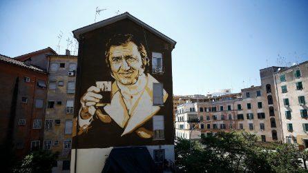 Roma, inaugurazione del murale per il compleanno di Aberto Sordi alla Garbatella