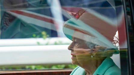La regina Elisabetta torna al Royal Ascot: è la prima volta senza il principe Filippo