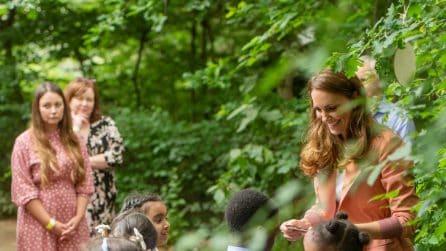 Kate Middleton al Museo di Storia Naturale: regala agli studenti il miele fatto in casa