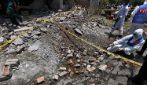 Pakistan, potente esplosione: squarciata una zona residenziale nella città di Lahore