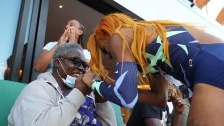 Sha'Carri Richardson si qualifica per le Olimpiadi e corre ad abbracciare la nonna in tribuna