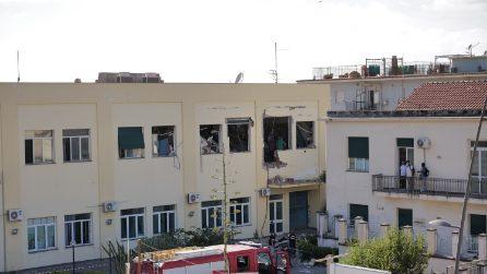 Forte esplosione al commissariato di Polizia a Castellammare di Stabia
