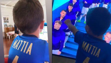 Il piccolo Mattia saluta il papà dalla tv: il figlio di Spinazzola prima della partita con il Belgio