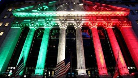 Il palazzo di Wall Street celebra la vittoria dell'Italia illuminandosi con il tricolore
