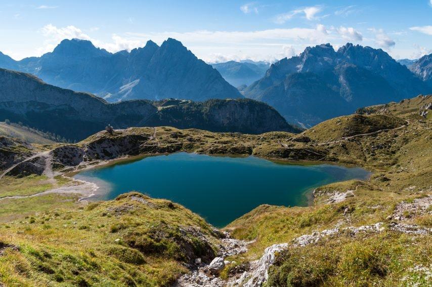 I Laghi d'Olbe sopra Sappada, meravigliosi specchi d'acqua verde in un ambiente di grande pace e ampiezza. Ph: Andrea Rizzato