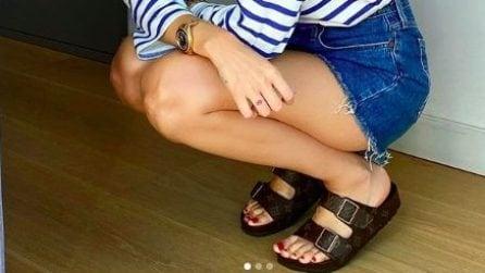 I sandali a doppia fascia di tendenza per l'estate 2021