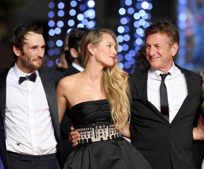 Sean Penn con i figli Hopper e Dylan, attori in Flag Day
