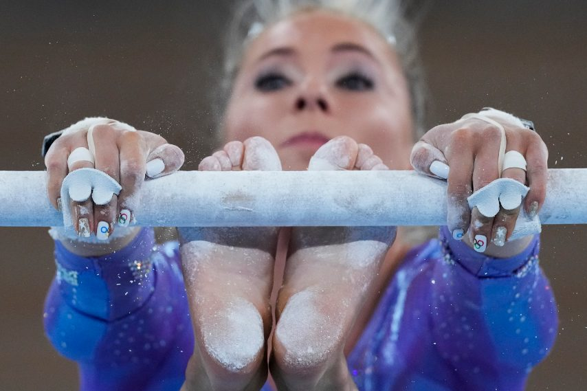 Mykayla Skinner con la nail art a tema olimpico