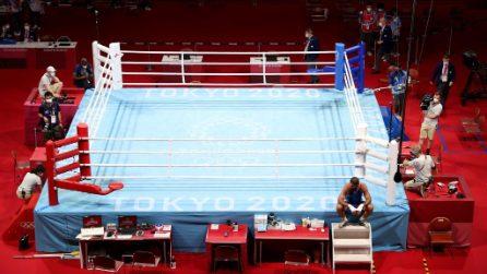 Mourad Aliev si rifiuta di lasciare il ring dopo la sconfitta alle Olimpiadi