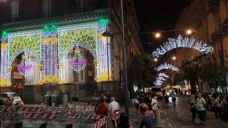 Festa di San Gennaro 2021, si accendono le luci in via Duomo