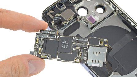 L'iPhone 13 smontato: cosa c'è dentro