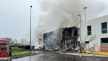Aereo da turismo precipita a San Donato Milanese: in corso operazioni dei vigili del fuoco