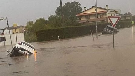 Maltempo, forte nubifragio nel padovano: auto sommerse dall'acqua