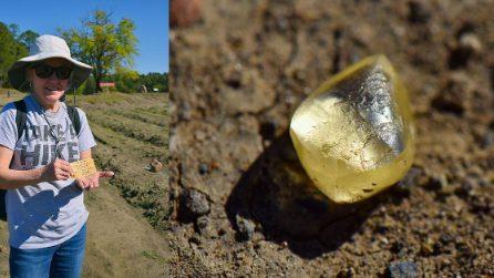 Donna trova una pietra gialla in un parco, poi scopre che è un diamante da 4 carati