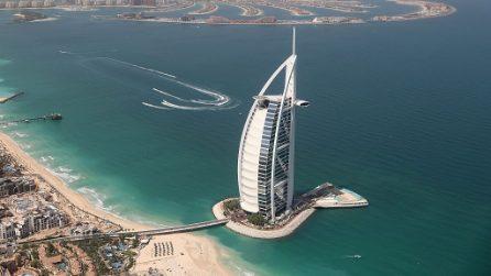 Siamo stati all'interno del Burj Al Arab di Dubai: com'è fatto l'unico albergo a sette stelle del mondo
