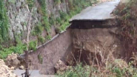 Maltempo, a Scordia collassa la strada in seguito a una frana