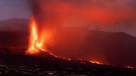 La Palma, il vulcano Cumbre Vieja è sempre più minaccioso