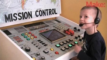 Navicella spaziale nella stanza del figlio, l'invenzione fantastica di un papà