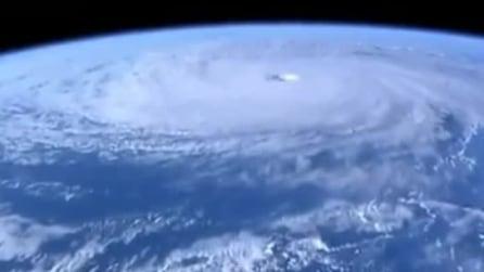 L'arrivo dell'uragano Julio visto dall'ISS, la stazione spaziale internazionale