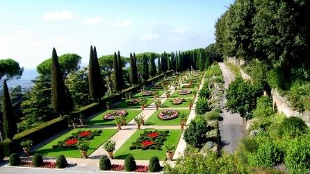Aperti al pubblico i giardini di Castel Gandolfo