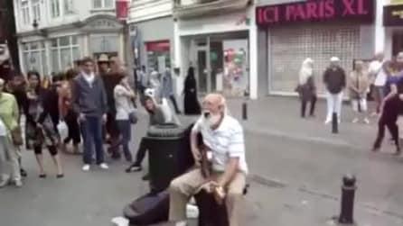 Il nonno che suona i Rolling Stones