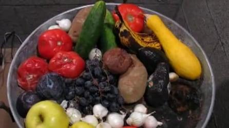 La decomposizione di frutta e verdura in 74 giorni, in Time-lapse