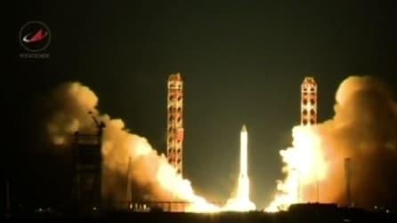 Il razzo russo cade dopo il lancio in diretta tv