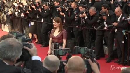 Cannes, riflettori accesi sull'alta moda delle star