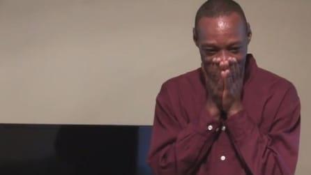 Regalano una casa ad un senzatetto, ecco la sua commovente reazione