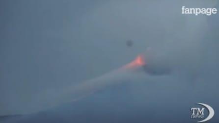 L'Etna si risveglia con una spettacolare eruzione