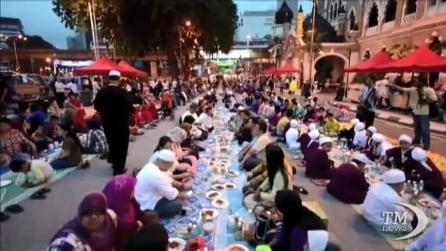 E' iniziato per i musulmani il mese sacro di Ramadan, il periodo di digiuno