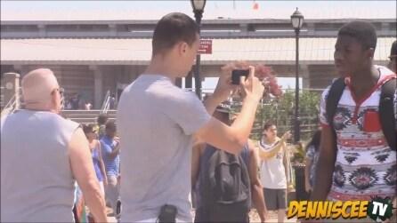 Le estreme conseguenze di un Selfie, lo scherzo ai passanti nei sobborghi di NY