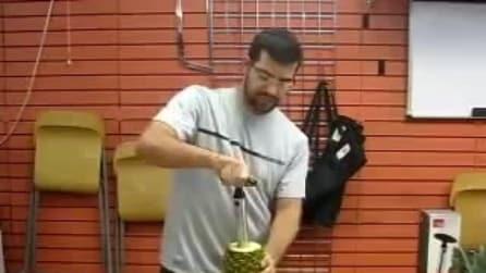 Ecco il modo più veloce di sbucciare l'ananas
