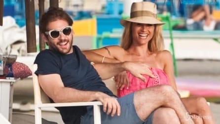 Forte dei Marmi, relax e sorrisi tra Michelle Hunziker e Tomaso Trussardi