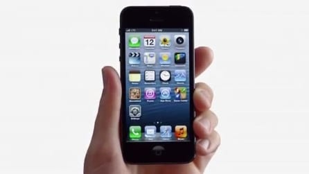 Pubblicità iPhone 5: Physics
