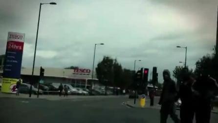 Girare per le strade di Hackney a Londra