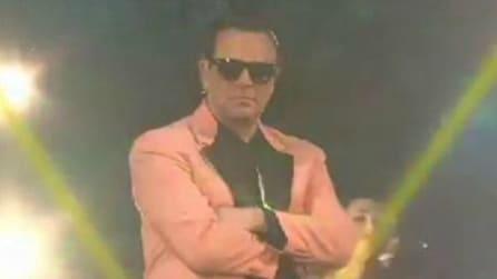 Crozza balla il Silvio Style, Berlusconi si ispira a PSY