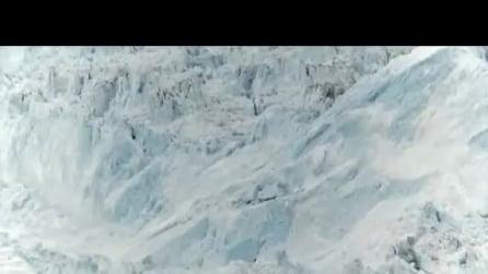 Scioglimento dei ghiacciai: un iceberg gigantesco si stacca e si scioglie nell'oceano