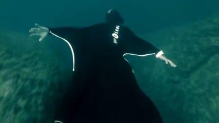 """""""Oceanwings"""" la tuta per volare sott'acqua"""