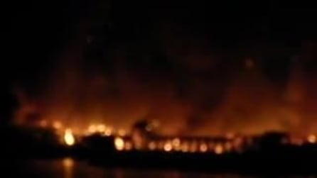 """""""Città della Scienza"""" in fiamme, incendio a Bagnoli"""