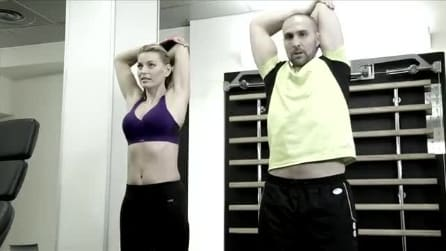 Rassodare le braccia seguendo gli esercizi di Federica Fontana