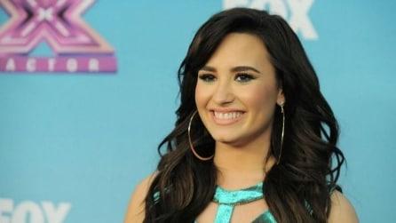 Demi Lovato canta live il brano Skyscraper