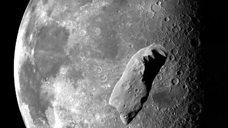 Pioggia di meteoriti sulla Luna: esplosioni visibili dalla Terra