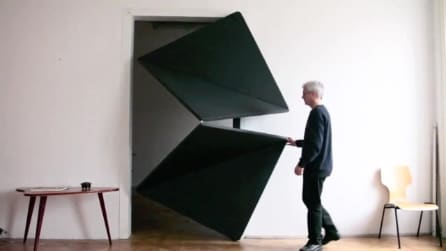 L'evoluzione della porta: si apre e si chiude scomponendosi