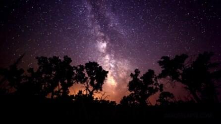 Immagini spettacolari, orizzonti notturni in time-lapse