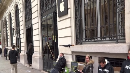 Il giorno di Apple: iPhone 5s e 5c in vendita, ma non in Italia [DIRETTA - ore 14.02]